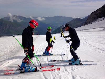 ski libre avec les skis de géant stage de ski 3